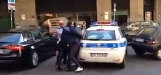 vigili_urbani_arrestano_immigrato